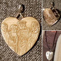 customer testimonial photo pendant