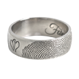 personalize jewelry band ring with detail of fingerprint