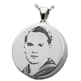 laser engraved photo round pendant