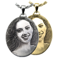 Oval jewelry with custom 3D photo
